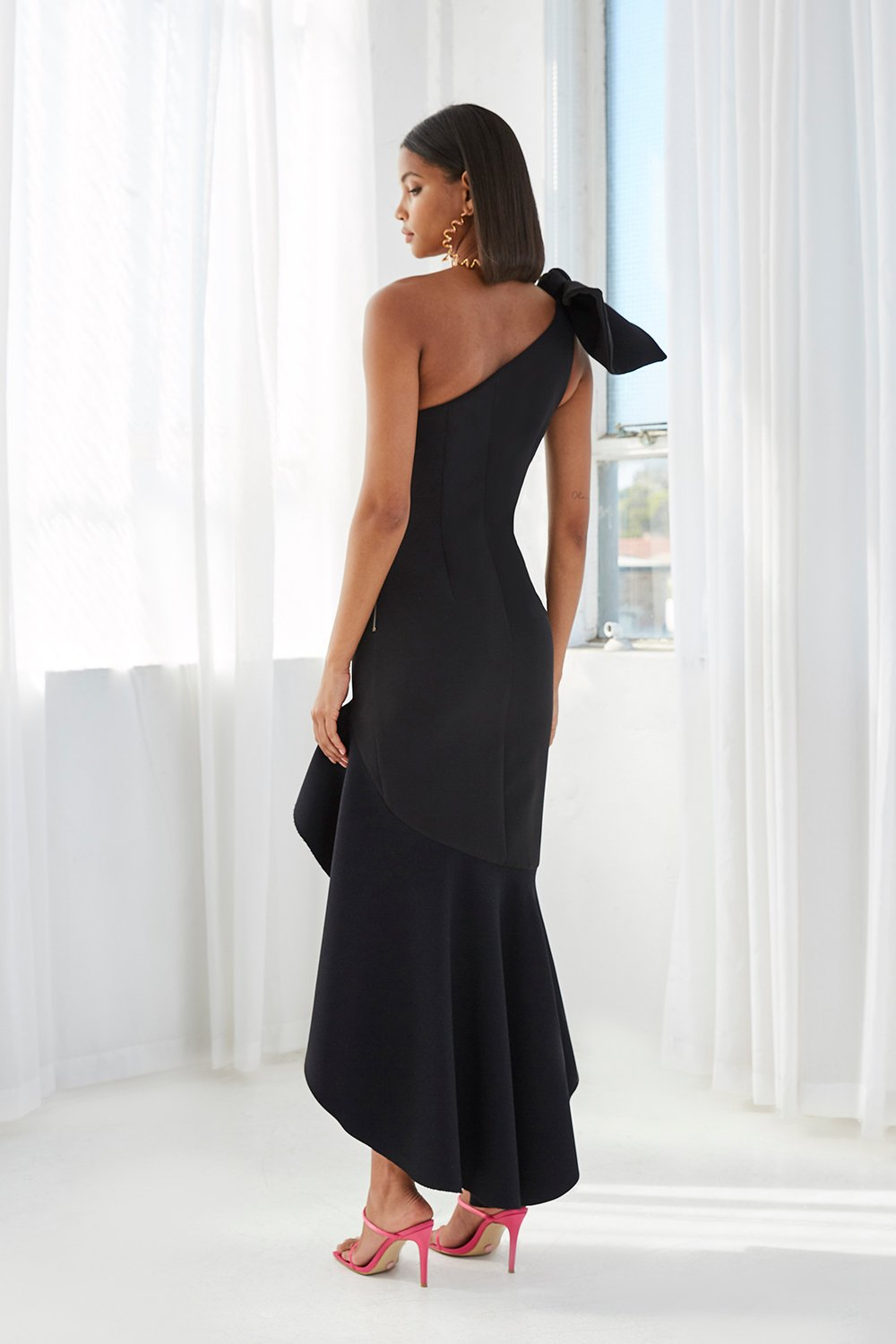 BY JOHNNY TIE SHOULDER WAVE GOWN
