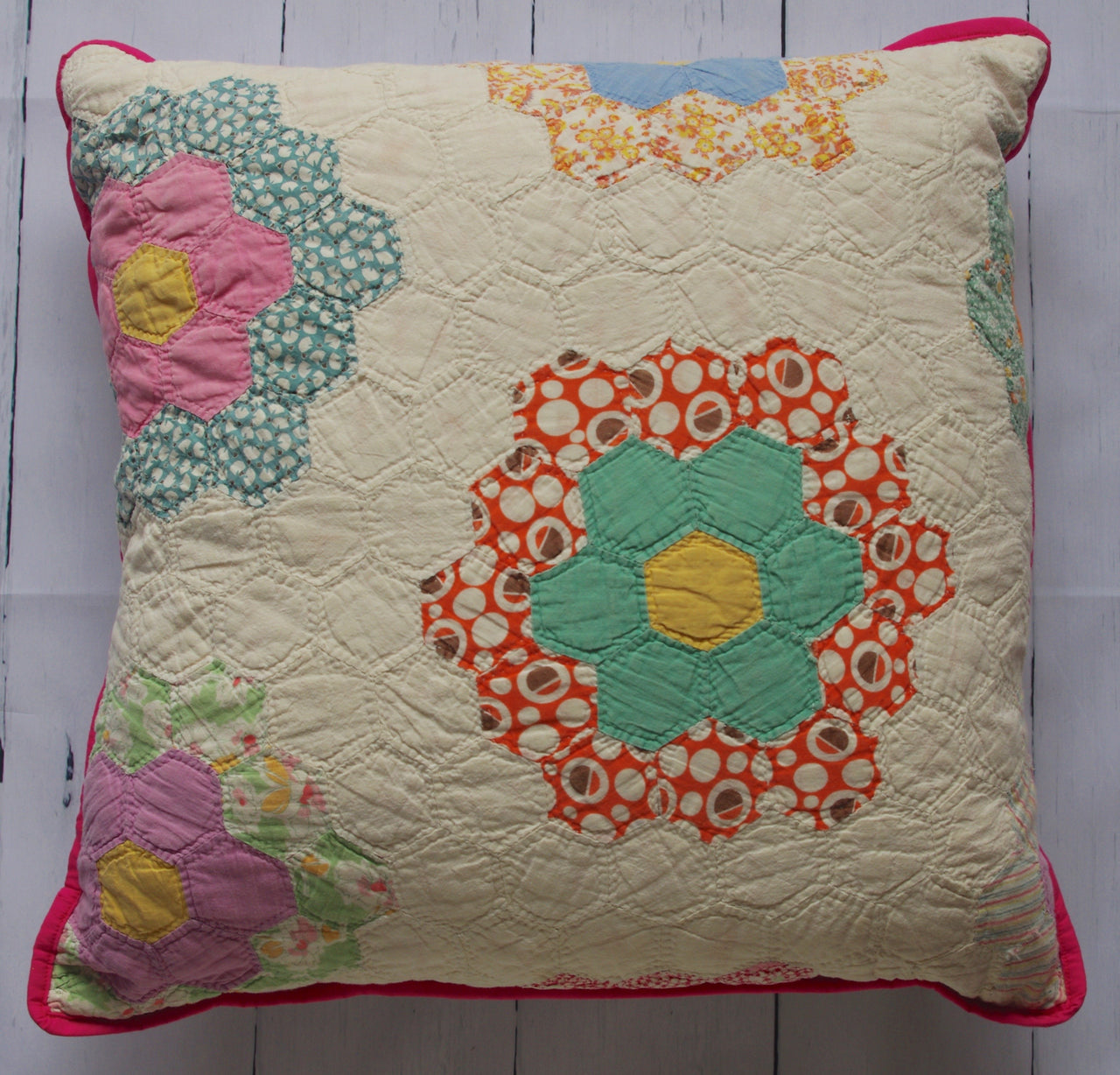 vintage-quilt-floral-pop-of-pink-floor-pillow-front
