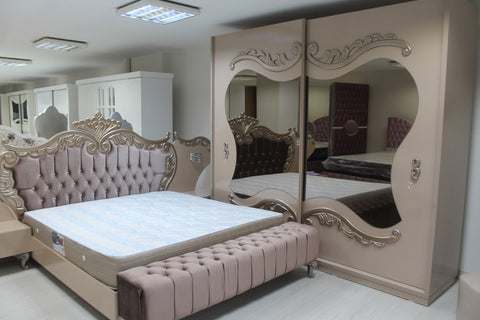 8 Tips for Choosing a Mirror for Your Bedroom