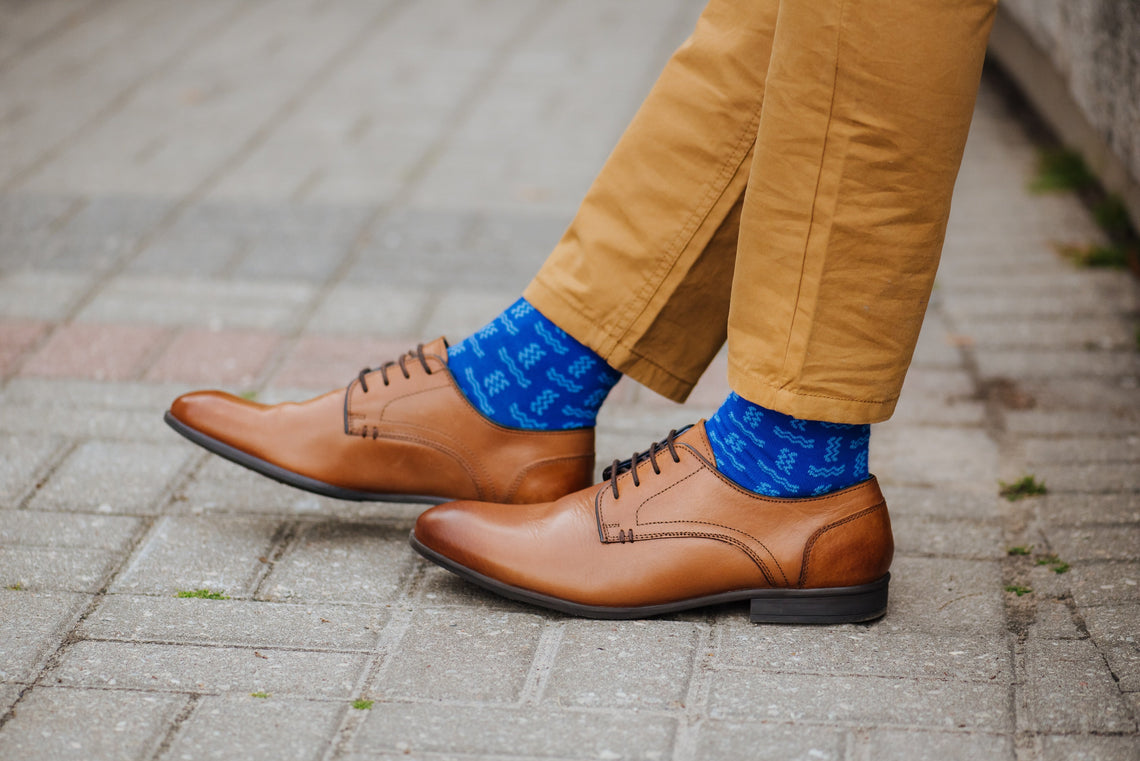 How to wear bright colored socks?