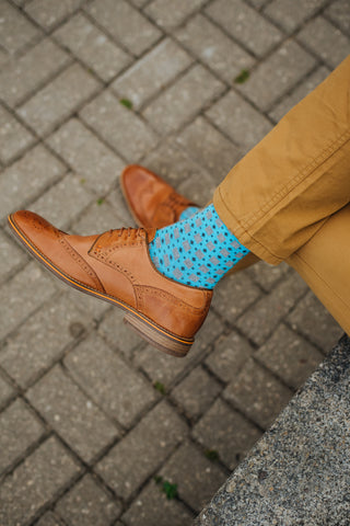 brown shoes blue socks
