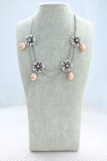 Luxe Taupe Pearl Short Necklace