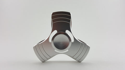 Metal Alloy Solid Color Tri-Spinner