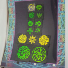 COE 96 - Golden Celtic Knot Mix on Black - Dichroic glass chips for Fusing and Warm Glass Forming