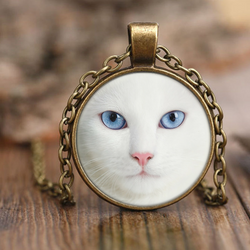 White Blue Eye Cat Necklace