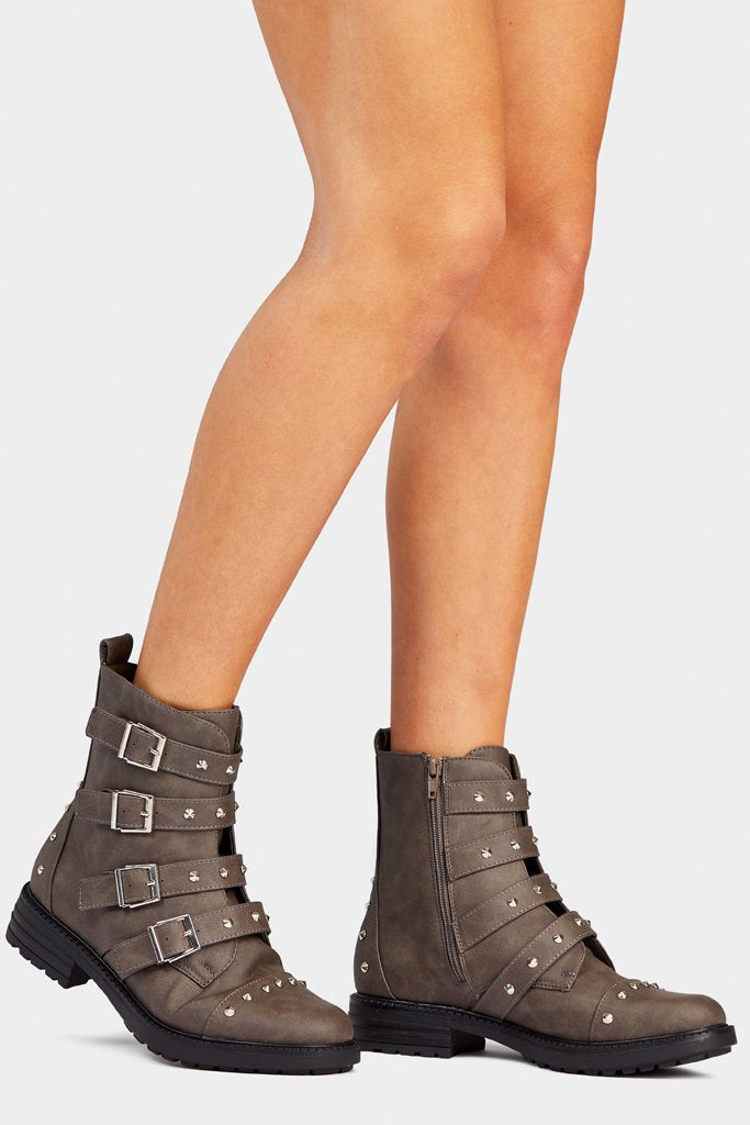 four-buckle-studded-work-boots