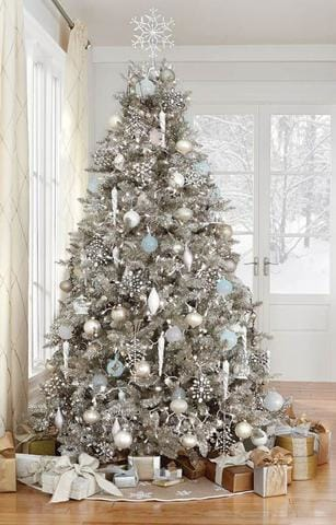elegant tree with gifts