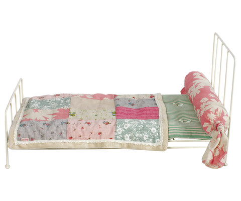 Romantic Bed Medium, cream, incl bedding