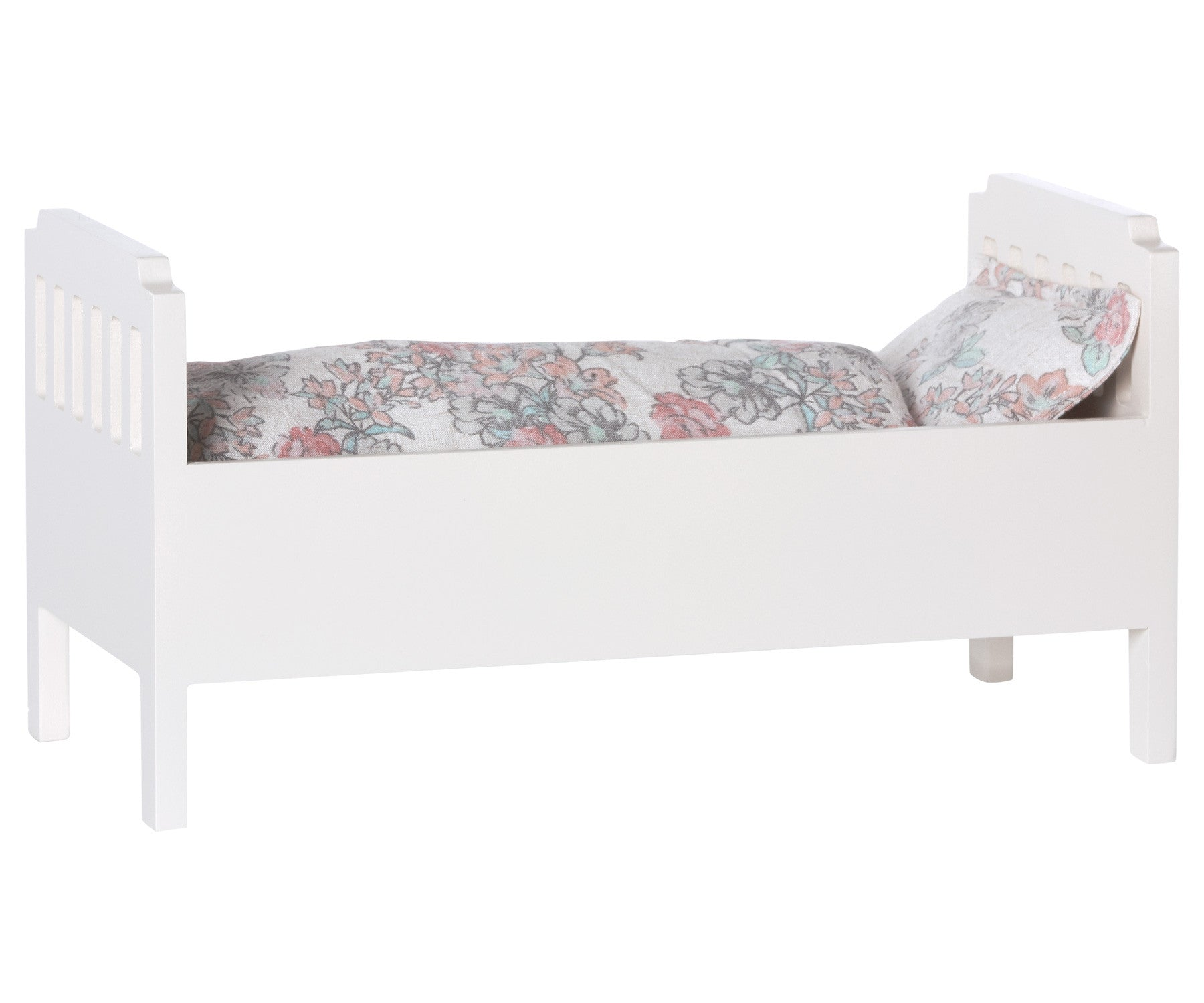 Bed, Small, off white