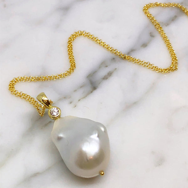 White Baroque Pearls and Topaz Pendant Necklace