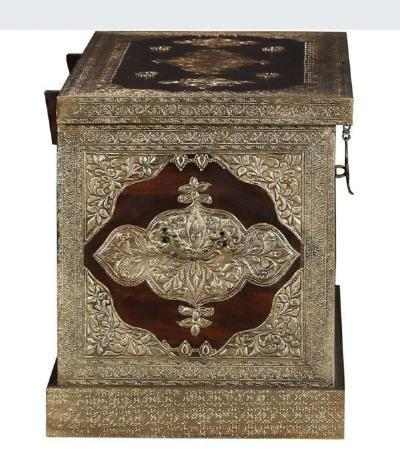buy solid sheesham wood wooden trunk blanket box online with best designs in India at cheap price - www.thetimberguy.com