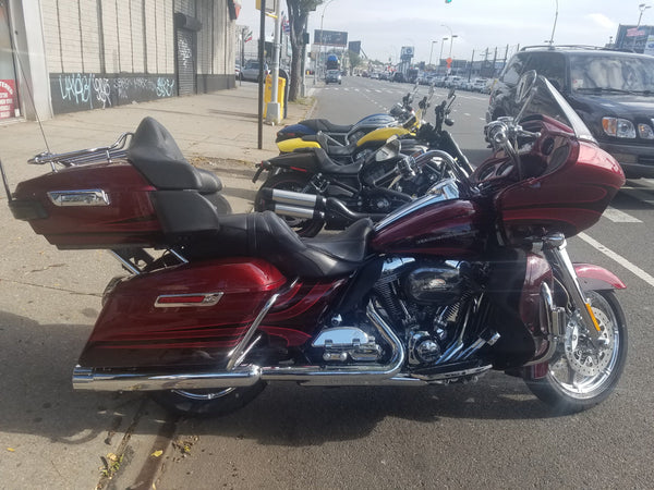 2015  PRE- OWNED  HARLEY- DAVIDSON FLTRUSE  CVO  ROADGLIDE