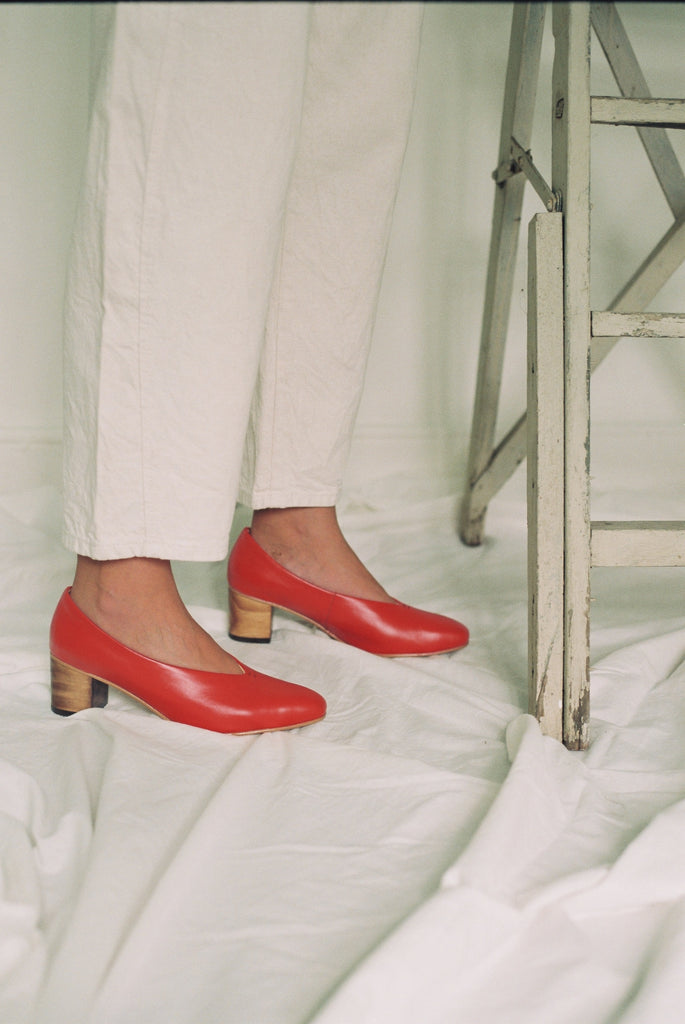 Red Pointed Pumps