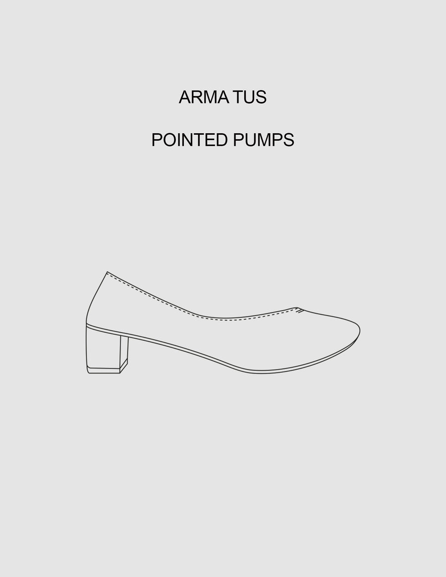Arma Tus Pointed Pumps