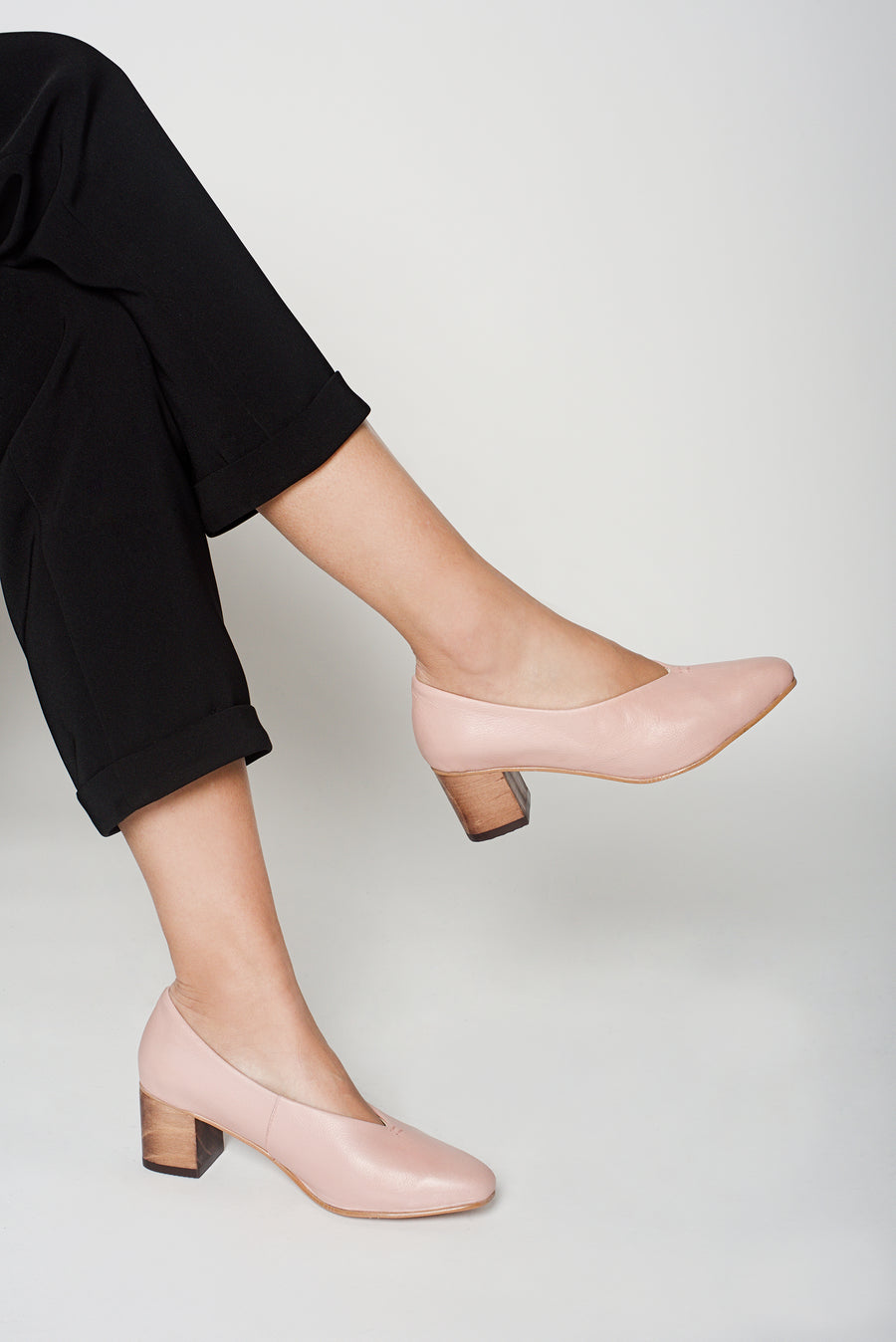 Pink Calf Leather Pointed Pumps
