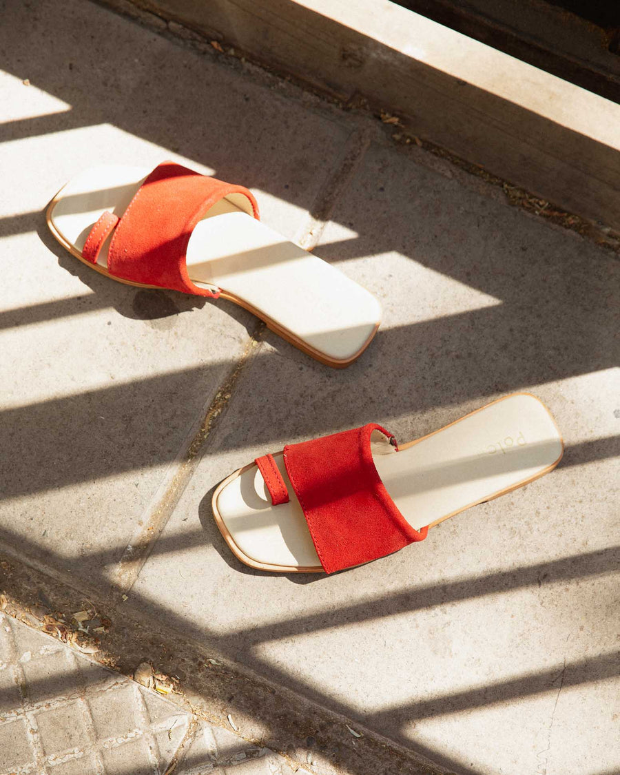 Red Toe Ring Slide Sandals