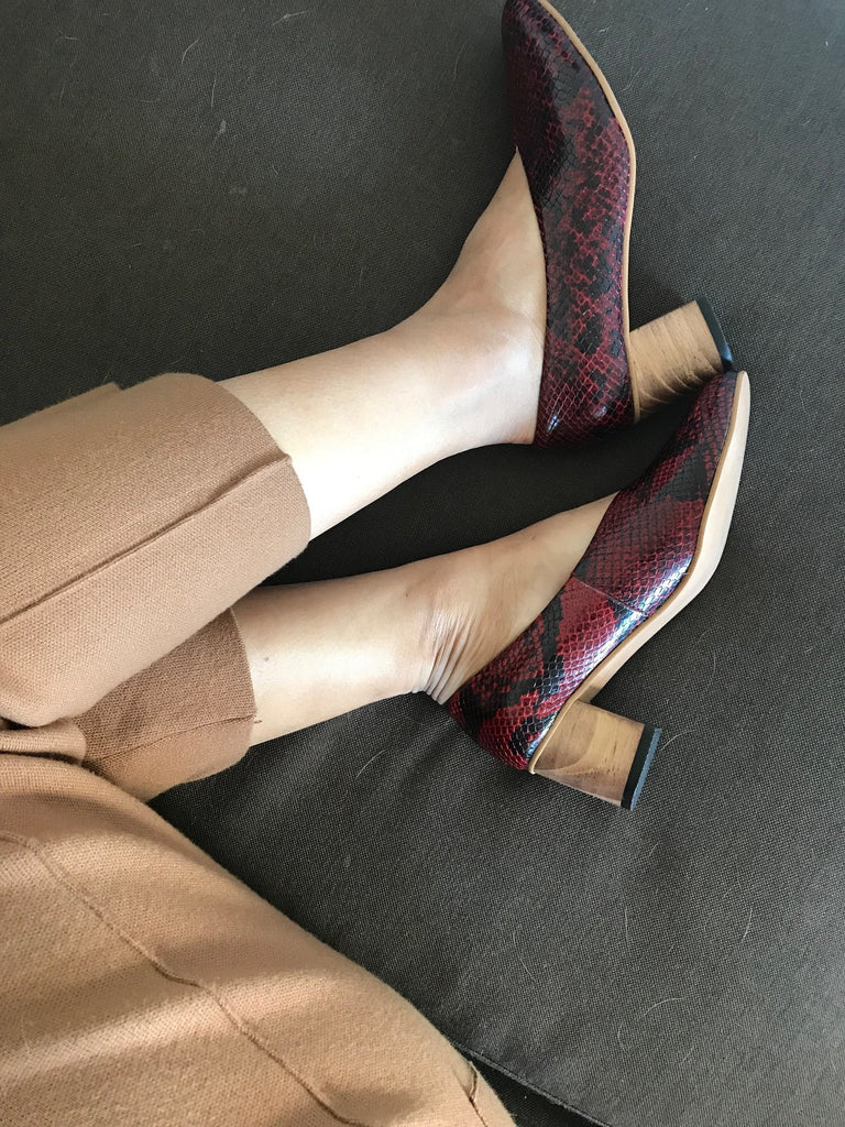 Red Cobra Pointed Pumps