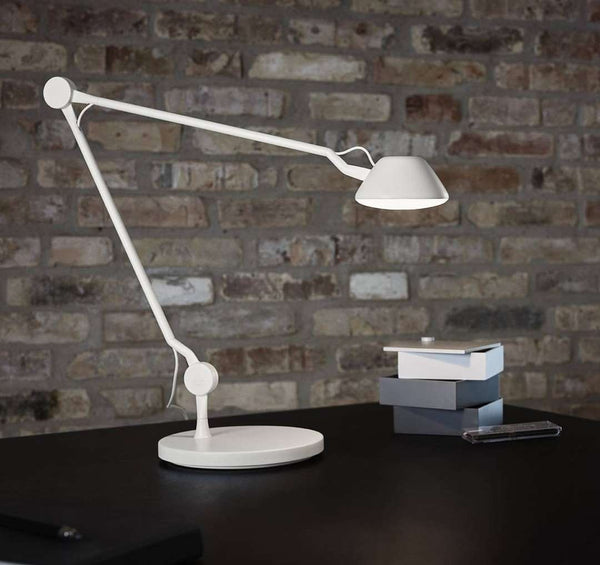 AQ01 Table Lamp