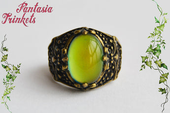 Mood Ring - Color Changing Stone on an Adjustable Bronze Fleur-de-Lis Ornate Ring - Vintage Mood Jewelry