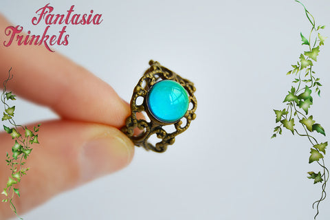Mood Ring - Color Changing Stone on an Adjustable Bronze Filigree Ring - Vintage Mood Jewelry