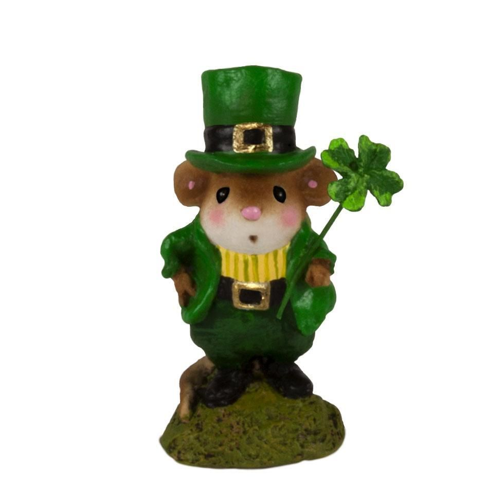 Irish Mouse with Lucky 4 Leaf Clover