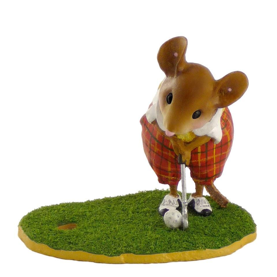 Mouse Playing Golf