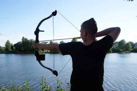 bowfishing to catch fish in the wild