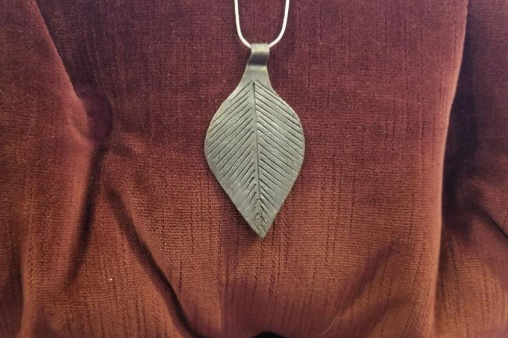 Leaf Medallion Necklace