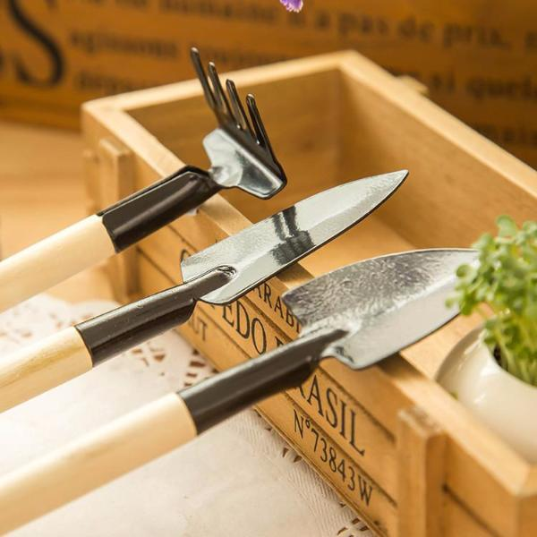 Tiny 3 Set Multifunctional Gardening Tools