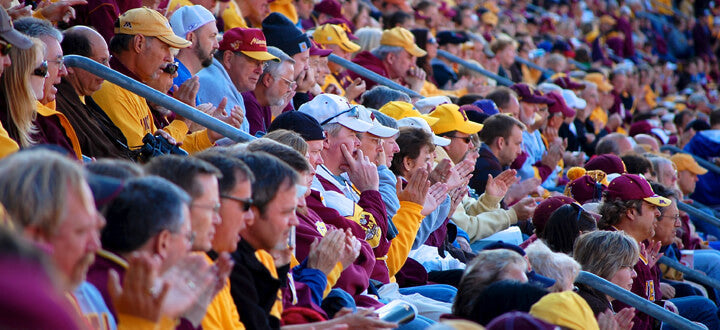 Photo of Minnesota Golden Gophers Watches Sports Game