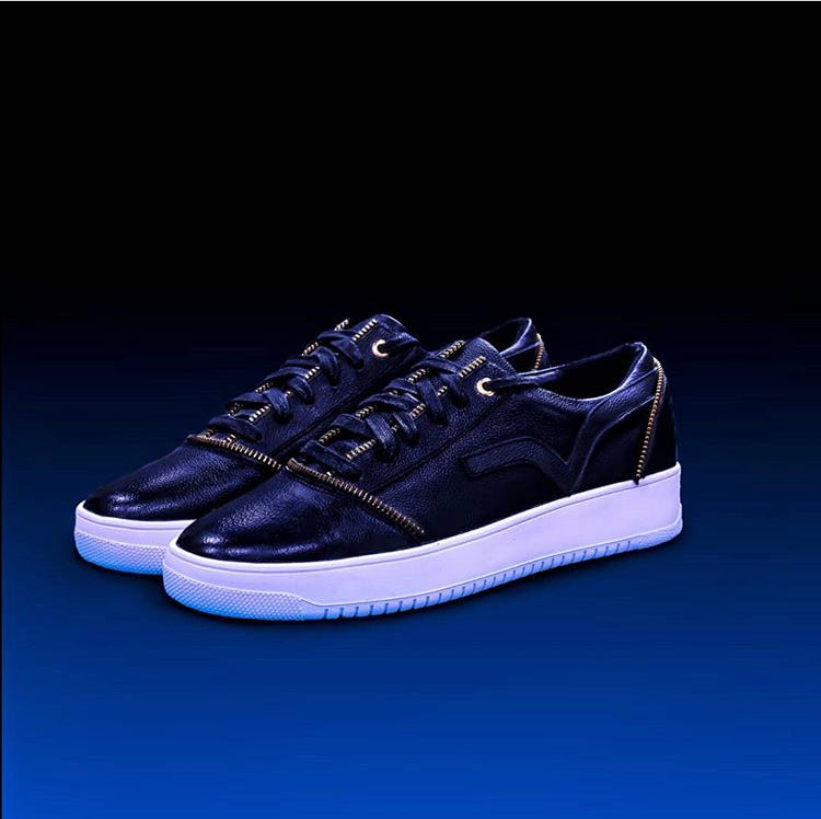 Load image into Gallery viewer, PRSVR Black Leather Valley Lowtop Sneaker