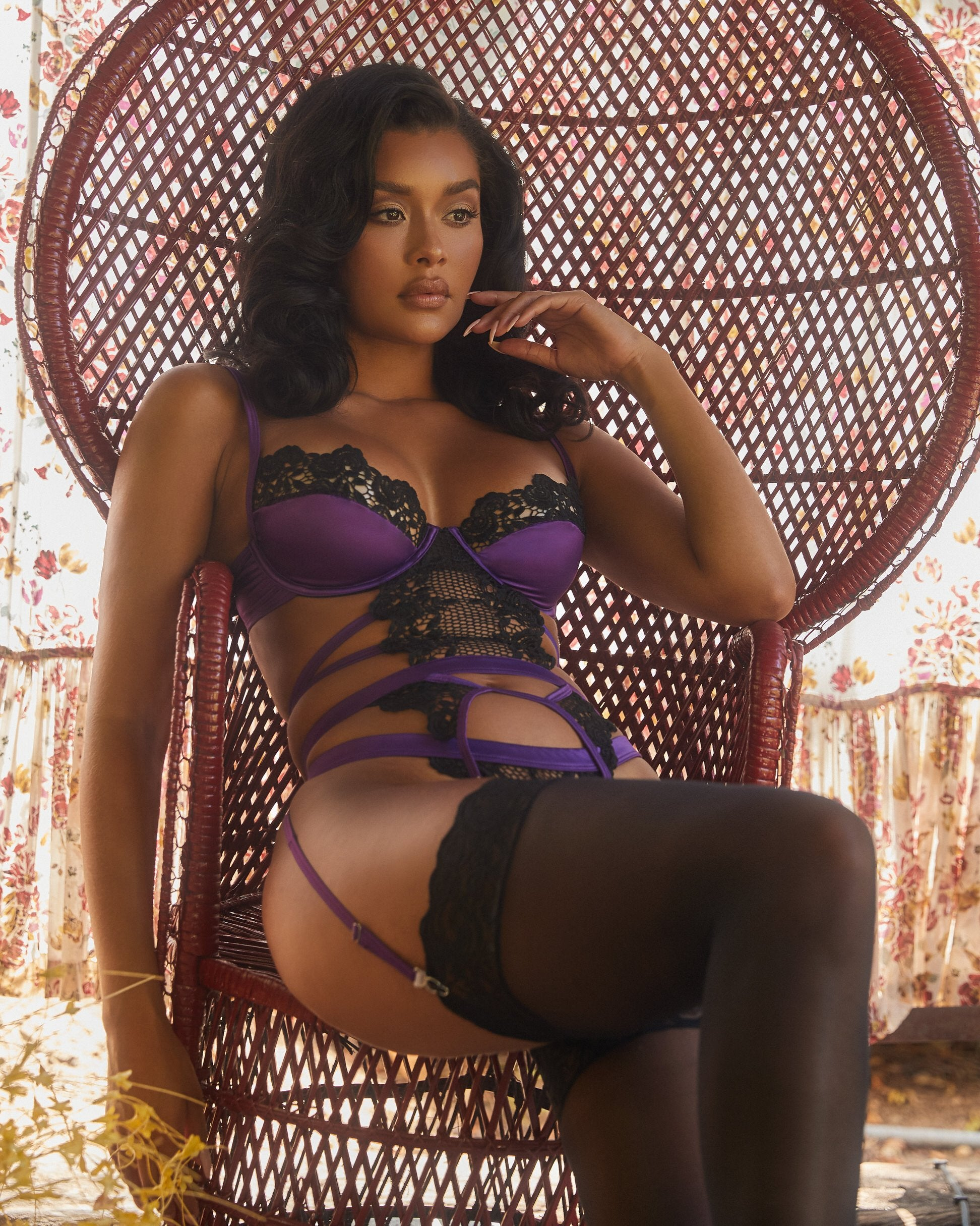 1pc Embroidered Lace & Satin Bustier Set