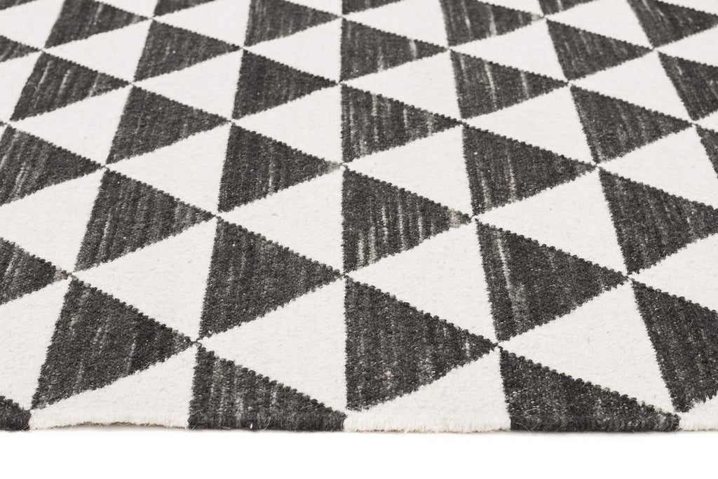 Ideal Black & White Rugs GS87