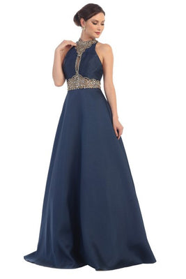 Elegant Halter Dress With Crystal Necklace And Torso Detail