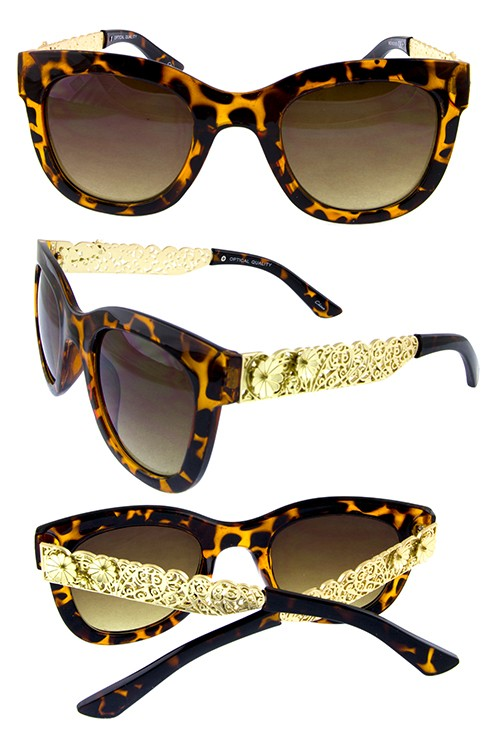 Retro Horn Style Sunnies with Floral Temple