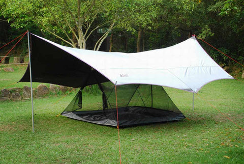 Batwing Tarp with Reflective Side Up