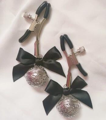 Adjustable Nipple Clamps w/Bell & Bow DDLGWorld nipple clamp