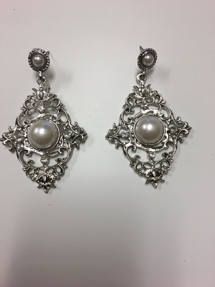 Pearl Accented Earrings - Luxe Shoe Boutique & Accessories