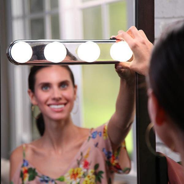 Portable Cosmetic Mirror Light 4 LED Bulbs