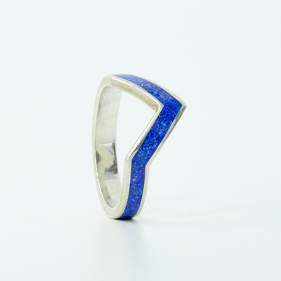 SALE RING - Silver V-Ring & Lapis Lazuli - Size 6.25