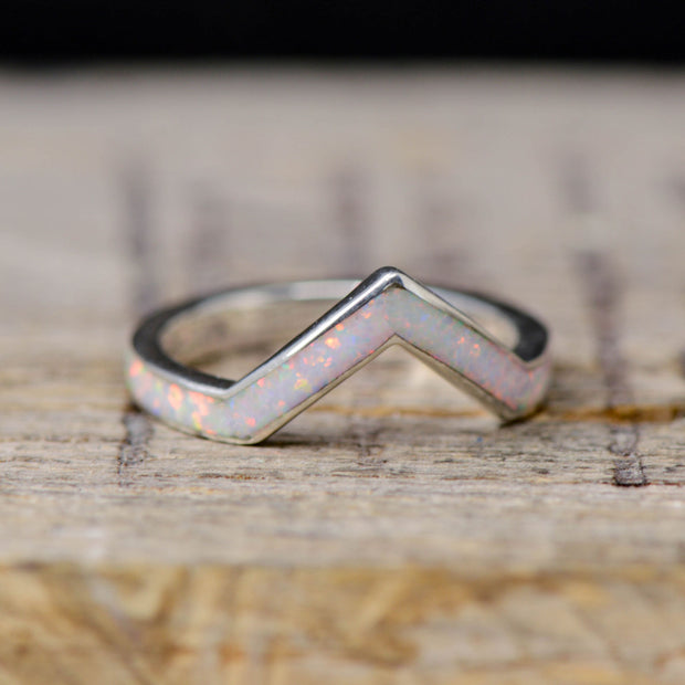 Gold White Opal V-Ring