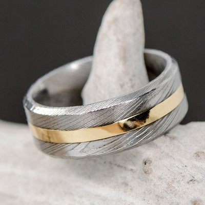 Damascus Steel & Centered Yellow Gold