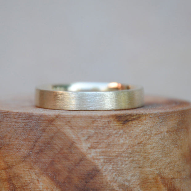 Brushed Gold Band 4mm