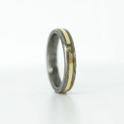 SALE RING - Damascus Steel & Centered Yellow Gold - Size 4.5