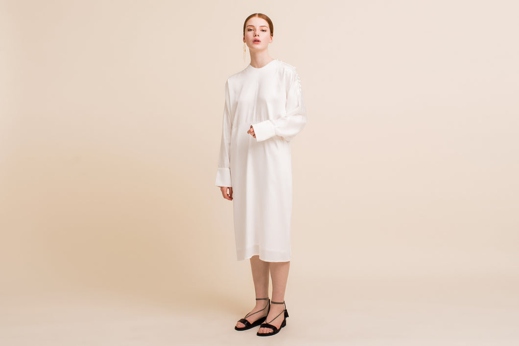Daon Dress (Pearly White) Size: S/M