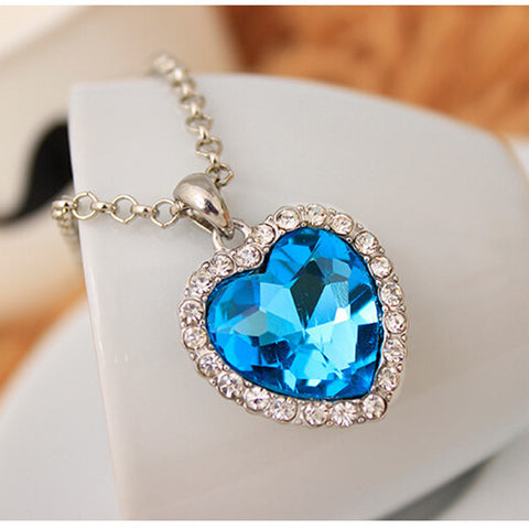 Head-turning Heart-shaped Titanic Movie Blue Pendant Necklace