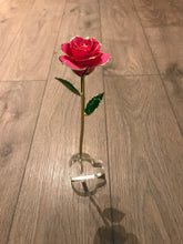 Heart rose stand