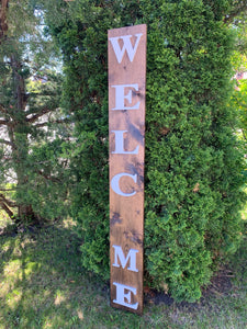 Welcome Sign With Removable Seasons