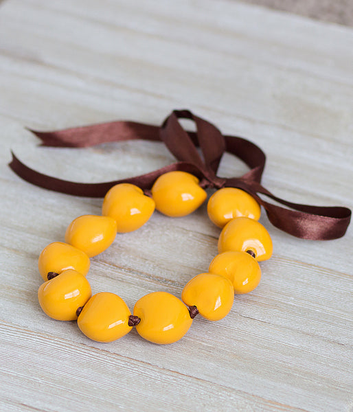 Kukui Nuts Choker in Golden Yellow
