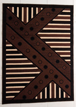 E526 Brown Area Rug